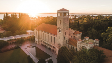 The University of Western Australia tackles COVID-19 crisis deploying online learning across 3,144 units in two weeks